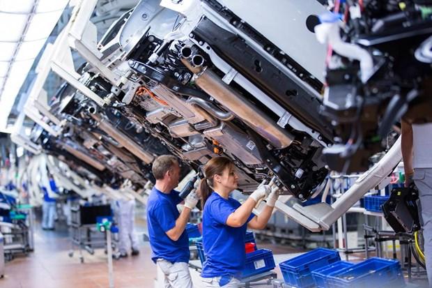 Kinh tế eurozone trên đà phục hồi nhờ lĩnh vực sản xuất tăng vọt