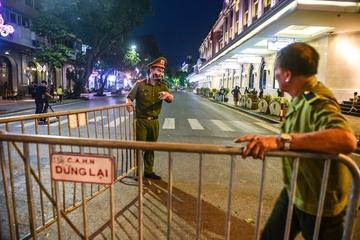 Hà Nội dừng lễ hội, phố đi bộ, kích hoạt hệ thống phòng dịch Covid-19