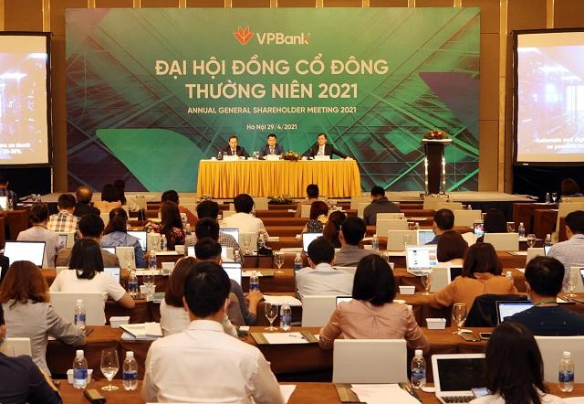 Chủ tịch VPBank: Có thể phát hành riêng lẻ cuối năm, nâng vốn điều lệ lên 75.000 tỷ đồng