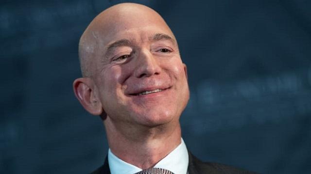 Tài sản của ông chủ Amazon vượt 200 tỷ USD