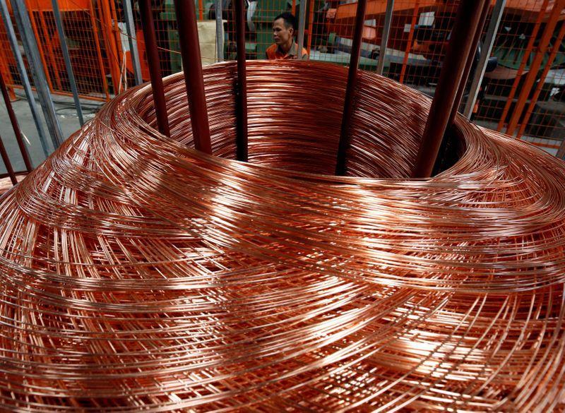 Giá đồng vượt 10.000 USD/tấn, hướng tới lập đỉnh cao nhất mọi thời đại