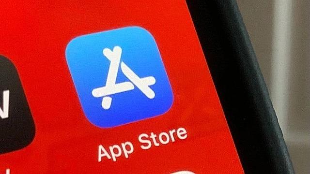 Apple đối diện mức phạt khổng lồ vì chính sách độc quyền trên App Store. Ảnh: Tech Crunch.