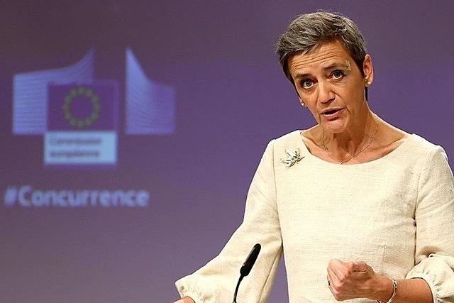 Phó Chủ tịch EC tố Apple vi phạm quy định chống độc quyền của châu Âu. Ảnh: WSJ.