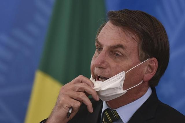 Vì sao Brazil cũng 'vỡ trận' nhưng bị quốc tế thờ ơ?