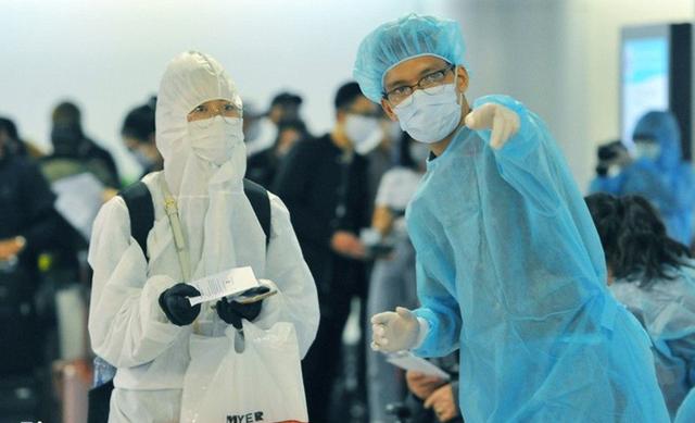 Hà Nội ghi nhận thêm một ca dương tính SARS-CoV-2, cùng chuyến bay với 2 người Trung Quốc