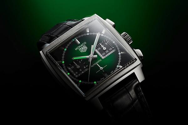 TAG Heuer ra mắt đồng hồ Monaco bản giới hạn với sắc xanh độc đáo