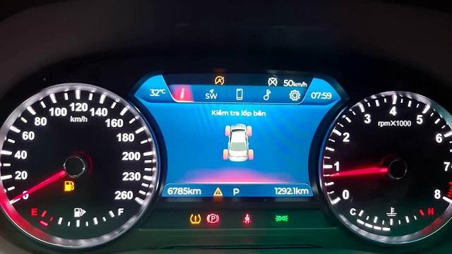 Những điểm đáng lưu ý trong vụ xe VinFast Lux A2.0 bị tố gặp nhiều lỗi