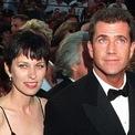 """<p class=""""Normal""""> <strong>10. Mel Gibson và Robyn Moore: 425 triệu USD</strong></p> <p class=""""Normal""""> Thỏa thuận gần nửa tỷ USD giữa nam diễn viên Mel Gibson và Robyn Moore vẫn là vụ chia tài sản ly hôn lớn nhất trong lịch sử Hollywood. Số tiền này cũng tương đương một nửa tài sản ròng của nam diễn viên tại thời điểm đó. (Ảnh: <em>AP</em>)</p>"""