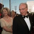 """<p class=""""Normal""""> <strong>3. Rupert Murdoch và Anna Torv: 1,7 tỷ USD</strong></p> <p class=""""Normal""""> Ông trùm truyền thông Rupert Murdoch và nhà báo Maria Torv kết hôn được 31 năm và có với nhau ba người con. Khi Murdoch về hưu cũng là lúc họ quyết định """"chia tay thân thiện"""" vào năm 1998. Thông tin về vụ ly dị này khá ít, nhưng Maria Torv được cho là đã nhận 1,7 tỷ USD. Cả hai cũng tìm được người bạn đời mới một cách nhanh chóng. Murdoch kết hôn với Wendi Deng 17 ngày sau khi ly hôn, trong khi Torv kết hôn với William Mann sáu tháng sau đó. (Ảnh: <em>AP</em>)</p>"""