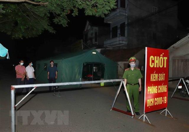 Chốt kiểm soát tại thôn Tiền Phong, xã Tân Phong huyện Bình Xuyên, Vĩnh Phúc.