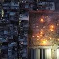 """<p class=""""Normal""""> Một khu vực hỏa táng ở New Delhi nhìn từ trên cao.</p>"""