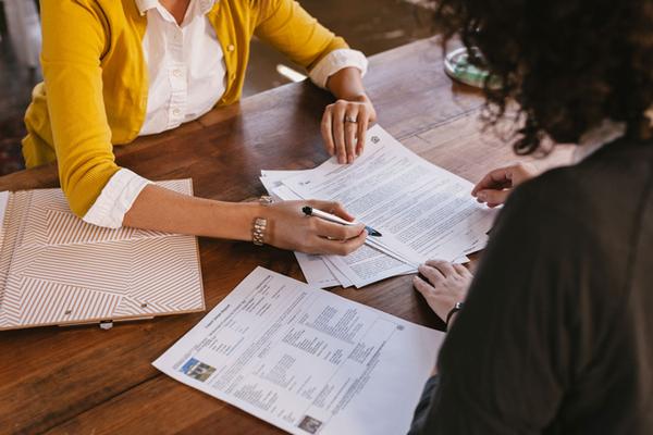 Bộ Tài chính yêu cầu xử lý việc 'ép' khách hàng mua bảo hiểm khi vay vốn