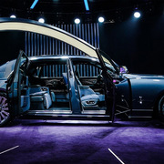 Rolls-Royce bán xe siêu sang trên mạng