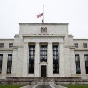 Fed cảnh báo hàng loạt nguy cơ trên thị trường tài chính Mỹ