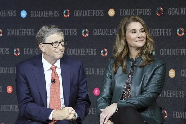 Vợ Bill Gates thuê đảo né tránh truyền thông