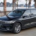 """<p class=""""Normal""""> <strong>Volkswagen</strong></p> <p class=""""Normal""""> Trong tháng 5, Volkswagen hỗ trợ bảo hiểm vật chất trị giá 11 triệu đồng cho mẫu xe đô thị Polo Hatchback 2020 (giá 695 triệu đồng). Bên cạnh đó, khách hàng mua SUV Tiguan Elegance (giá 1,699 tỷ đồng) được tặng gói phụ kiện trị giá 100 triệu đồng. Riêng Passat BlueMotion High 2018 được hỗ trợ lệ phí trước bạ. (Ảnh: <em>Volkswagen</em>)</p>"""