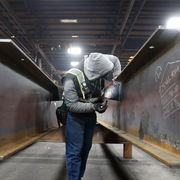 Giá thép ở Mỹ tăng gấp 3, chuyên gia cảnh báo nguy cơ bong bóng