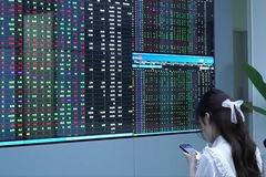 Dòng tiền 'ồ ạt' chảy vào thị trường, VN-Index lên gần 18 điểm