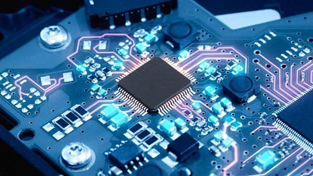Thiếu chip toàn cầu ảnh hưởng lớn đến ngành sản xuất ôtô, điện tử, Việt Nam có nên tự sản xuất chip.