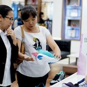 Thời trang Việt lép vế trước đại gia ngoại