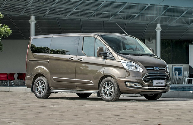 Ford Tourneo dừng bán ở Việt Nam