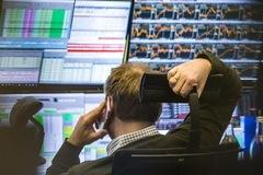 Khối ngoại rút trở lại hơn 280 tỷ đồng trong phiên 11/5, bán mạnh HPG và NVL