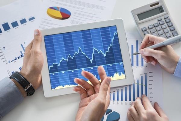 Một số cổ phiếu ngân hàng tăng mạnh, VN-Index giữ vững sắc xanh