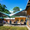 <p> Vật liệu này cho phép khí hậu trong nhà cân bằng giúp các lớp học mát mẻ vào mùa hè và ấm áp vào mùa đông.</p>