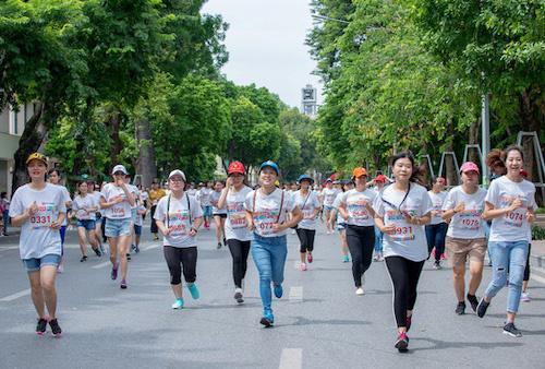 Hà Nội yêu cầu tạm dừng hoạt động thể thao tập trung đông người từ 12h trưa nay