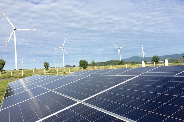 Huy động nguồn năng lượng tái tạo tăng hơn 150% trong 4 tháng đầu năm