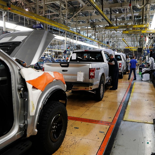 Giá ôtô tăng vọt vì thiếu chip, khách hàng Mỹ giành giật mua