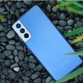 """<p class=""""Normal""""> <strong>3. Samsung Galaxy S21/ S21 Plus</strong></p> <p class=""""Normal""""> Điện thoại Android tốt nhất trong tầm giá</p> <p class=""""Normal""""> Giá: 800 – 995 USD</p> <p class=""""Normal""""> Với mức giá dưới 1.000 USD, Samsung Galaxy S21 và S21 Plus sẽ là mẫu điện thoại Android tốt nhất được lựa chọn.</p> <p class=""""Normal""""> Về cơ bản, Galaxy S21 và S21 Plus có thiết kế và hiệu năng hoạt động tương tự nhau, chỉ khác biệt về kích thước màn hình, dung lượng pin và chất liệu vỏ ngoài.</p> <p class=""""Normal""""> Một điều đáng lưu ý là Samsung đã ra mắt cả phiên bản S21 sử dụng chip Snapdragon 888 giống chiếc Galaxy S21 Ultra, mang tới hiệu năng xử lý nhanh và mạnh mẽ hơn so với các mẫu điện thoại ra đời trước đó.</p>"""