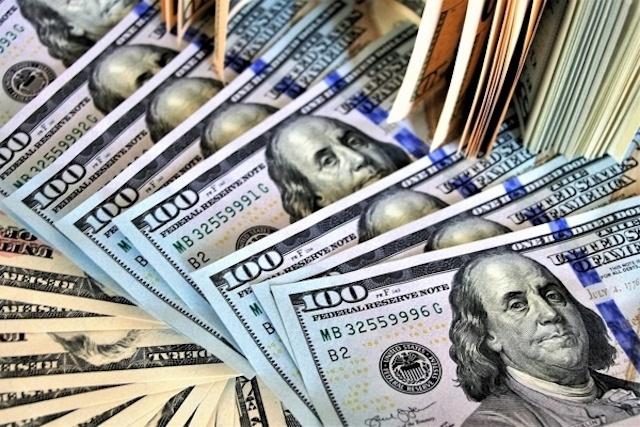 Đồng USD giảm giá rất mạnh sau khi Mỹ công bố chỉ số giá tiêu dùng tăng khá mạnh lên đỉnh cao hai năm rưỡi. (Ảnh: Int)