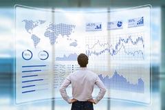 Nhận định thị trường ngày 17/5: 'Các nhịp rung lắc sẽ tiếp tục xảy ra'