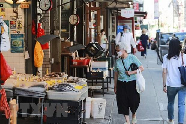 Một phố mua sắm ở New York, Mỹ. (Ảnh: THX/TTXVN)