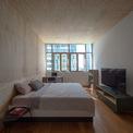 <p> Đồ nội thất được lựa chọn vì sự đơn giản và phóng khoáng, mang tinh thần giữa thế kỷ.</p>