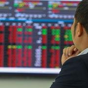 Khối ngoại vẫn 'xả' ròng 1.300 tỷ đồng trong phiên 17/5, bán mạnh cổ phiếu bluechip