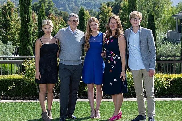 Gia đình Bill Gates trong ảnh kỷ niệm lễ Tạ ơn năm 2019. Ảnh: Twitter/Melinda Gates