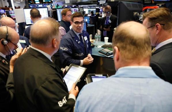 Cổ phiếu công nghệ bị bán mạnh, Phố Wall giảm điểm