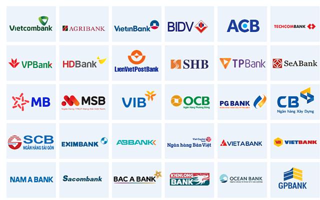 Nhiều ngân hàng miễn phí giao dịch online.