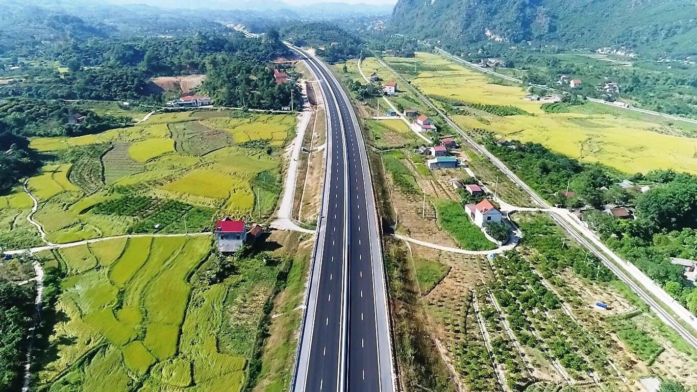Đua tiến độ khởi công 5 dự án cao tốc Bắc - Nam