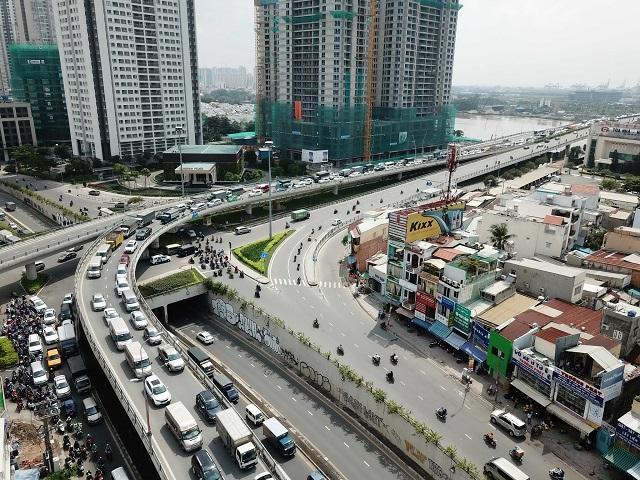 Đường trên cao giúp giải quyết giao thông thành phố thông suốt ẢNH: ĐỘC LẬP
