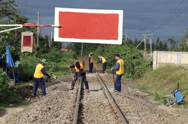 Tổng công ty Đường sắt Việt Nam được giao bảo trì kết cấu hạ tầng đường sắt năm nay.