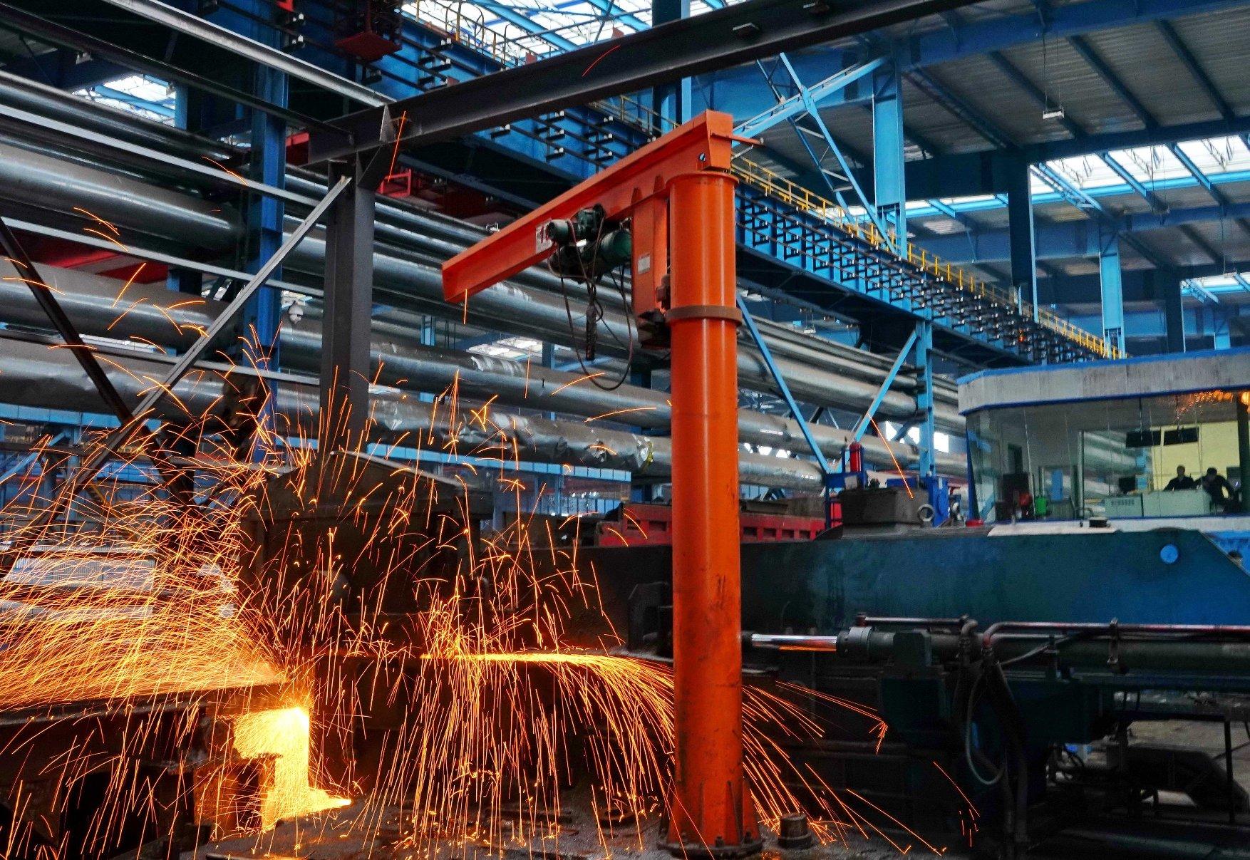 Trung Quốc đóng cửa các cơ sở sản xuất thép lạc hậu, giảm sản lượng thép thô