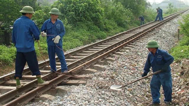 Tắc vốn bảo trì: Bộ GTVT yêu cầu đường sắt ký hợp đồng trước 24/5