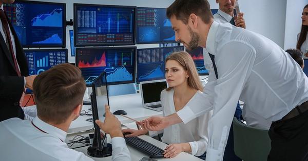 Khối ngoại bán ròng hơn 9.500 tỷ đồng trên HoSE chỉ sau 3 tuần