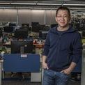 """<p class=""""Normal""""> Zhang tuyên bố từ chức trong bối cảnh Bắc Kinh nỗ lực hạn chế ảnh hưởng của các công ty internet và những người sáng lập, từ Alibaba của Jack Ma, Tencent của Pony Ma và cả ByteDance của Zhang.</p> <p class=""""Normal""""> Liang sẽ thay Zhang nắm quyền điều hành ByteDance khi công ty này đang chuẩn bị đợt IPO, được dự đoán là lớn nhất thế giới, trong thời gian tới. ByteDance cũng đang thúc đẩy kế hoạch chuyển sang thương mại điện tử, cạnh tranh với Alibaba và Meituan trong đấu trường Trung Quốc trị giá 1.700 tỷ USD. (Ảnh: <em>Bloomberg</em>)</p>"""