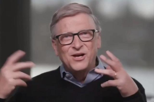 Bill Gates lần đầu xuất hiện sau ly hôn, vẫn đeo nhẫn cưới