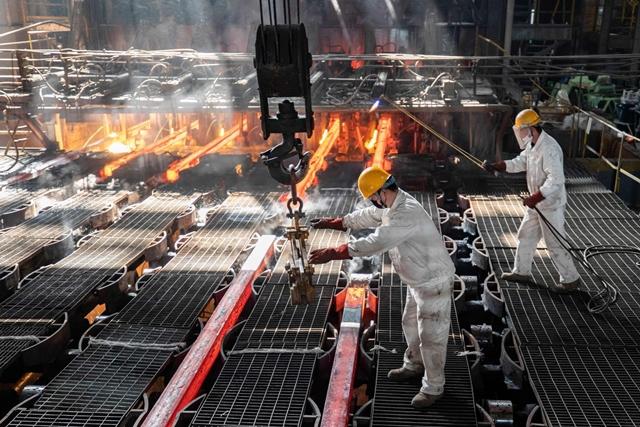 WSJ: Để đạt mục tiêu môi trường năm 2030, Trung Quốc phải kiểm soát ngành thép
