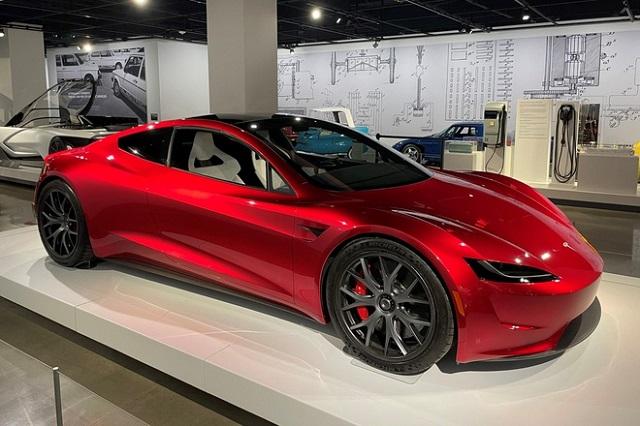 Siêu xe điện Tesla chỉ cần 1,1 giây để tăng tốc 0-96 km/h